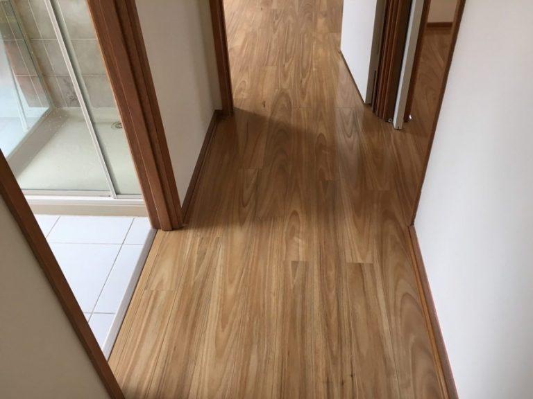 представленных картинки ламината с плиткой в коридоре фото вначале